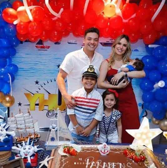 Durante uma viagem de navio Wesley Safadão fez uma festa surpresa para seu filho Yhudy