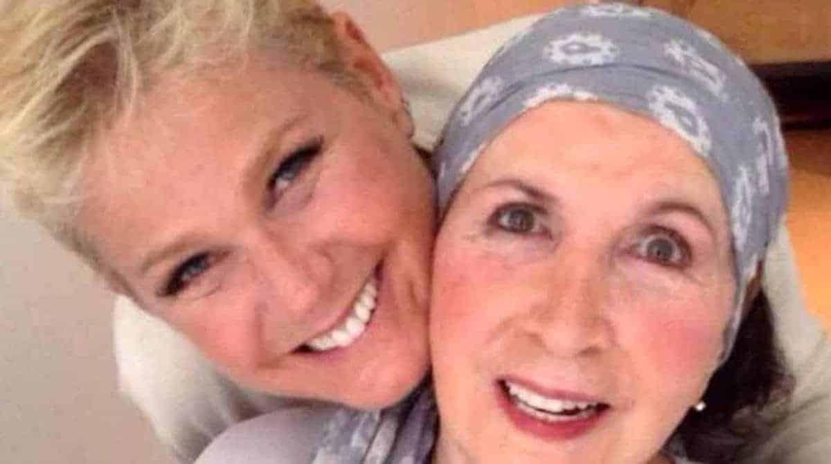 Dona Alda com a sua filha famosa a apresentadora Xuxa