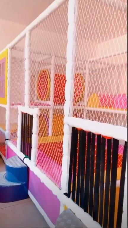 Parte do brinquedão que Mayra Cardin construiu para sua bebê Sofia