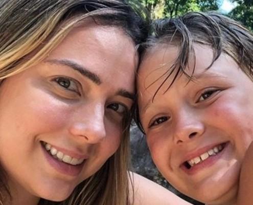Carol Dantas mostrou o filho no apartamento de sua família