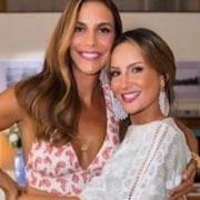 Claudia Leitte mostrou momento com sua bebê e Ivete Sangalo comentou