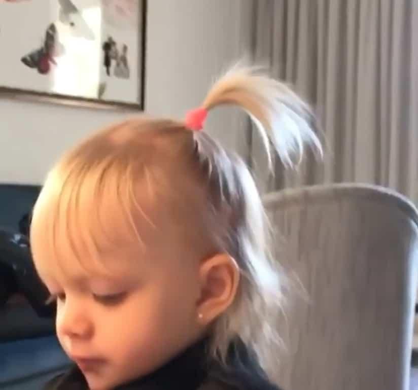 A filha caçula da apresentadora Eliana