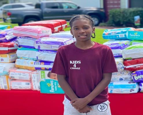 O garoto começou a vender limonadas para ajudar mães em necessidade