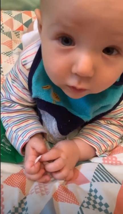 O pequeno Uri, filho da atriz Letícia Colin