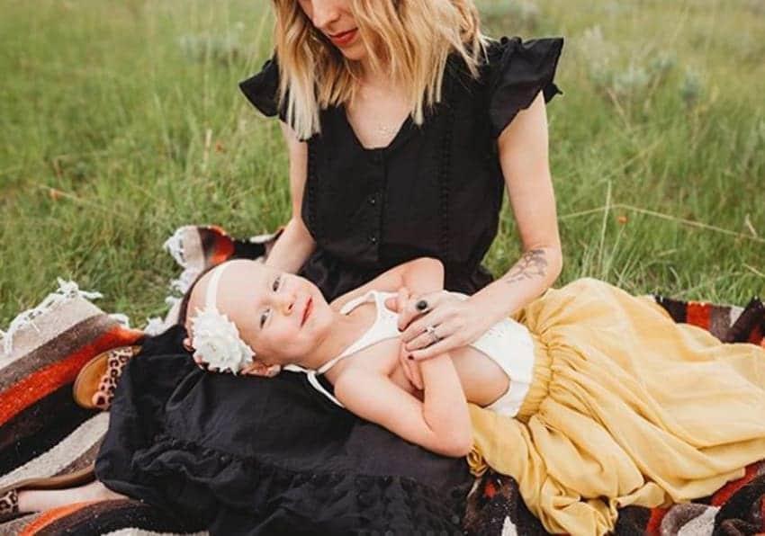 Foram quase 6 meses de luta, mas a menina venceu o câncer