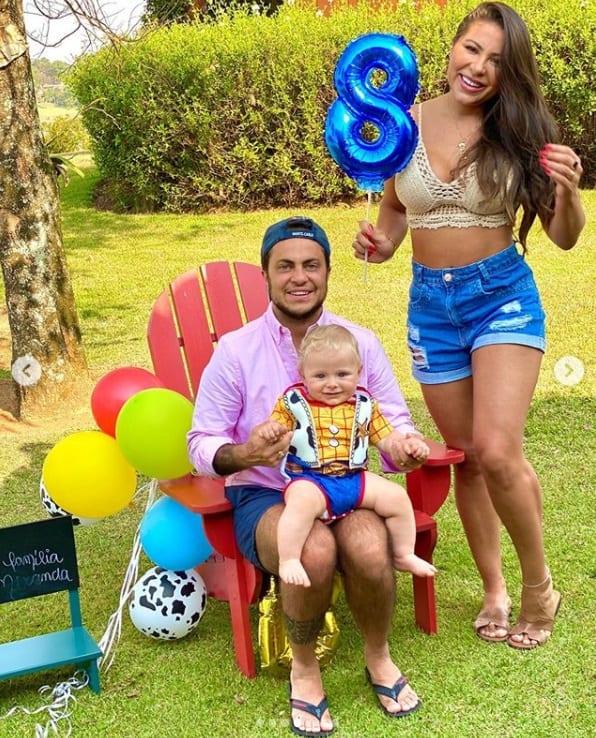 Thammy Miranda no mêsversário de seu filho