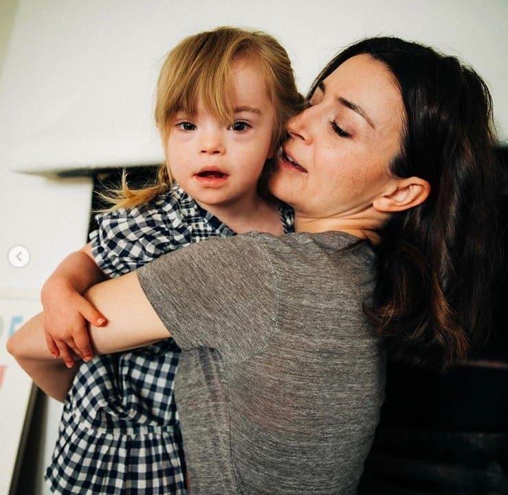 Atriz de Grey's Anatomy com a filha com Síndrome de Down