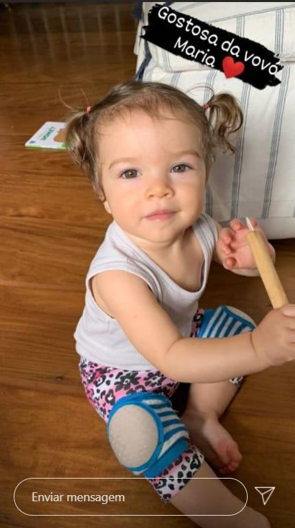 A bebê de Chay Suede e Laura Neiva, a pequena Maria