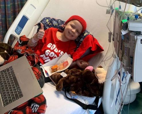O menino foi diagnosticado com dois tipos de câncer