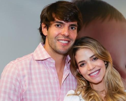 Kaká e Carol Dias saíram com sua filha nos braços