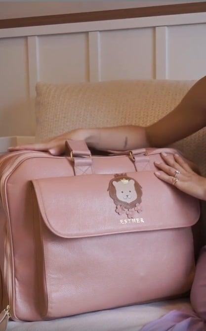 A linda mala de maternidade da filha de Kaká