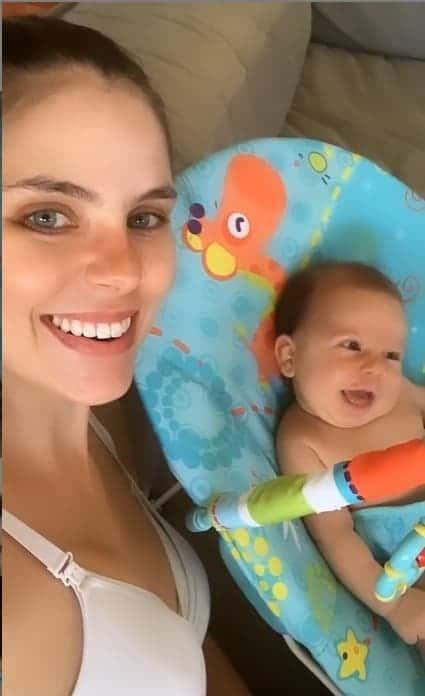 O bebê de Mano Walter e Débora Silva gargalhando