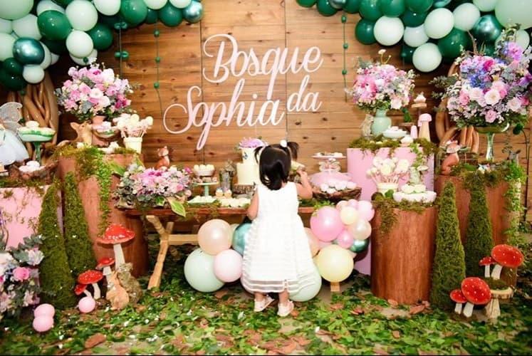 Bebê de Mayra Cardi na sua festa de aniversário