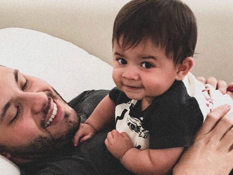 Murilo Huff com seu bebê com a cantora Marília Mendonça