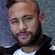 Neymar se declarou para a mãe de seu filho, Carol Dantas