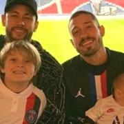 Vinícius Martinez, padrasto do filho de Neymar, mostrou o apartamento da família