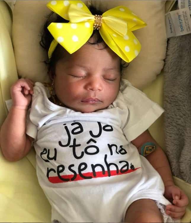 A pequena Yanna, filha da jornalista Tia Má