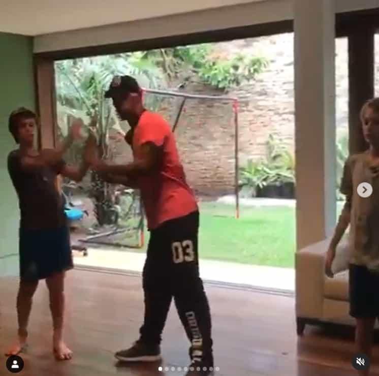 Filhos de Fernanda Lima e seu professor de dança