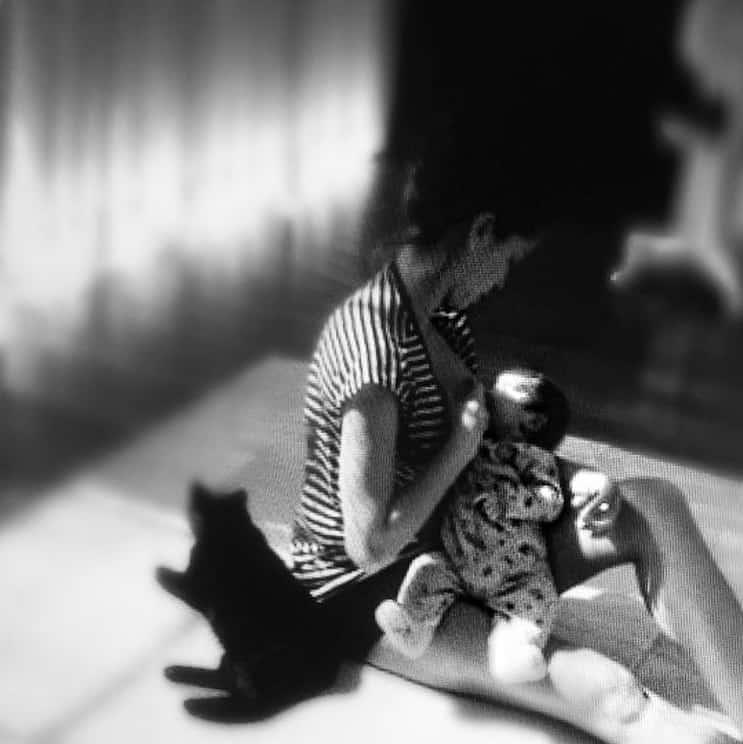 Grazi Massafera amamentando a filha quando bebê