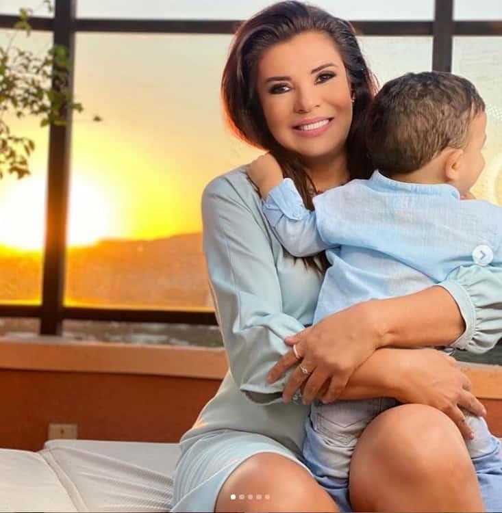 Mara Maravilha e seu bebê Benjamin