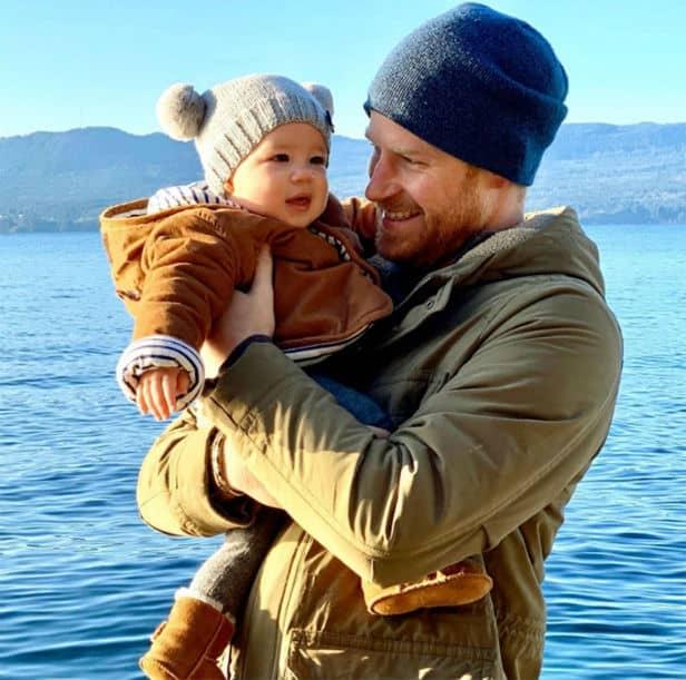 O príncipe Harry e a duquesa Meghan Markle são os pais do bebê Archie
