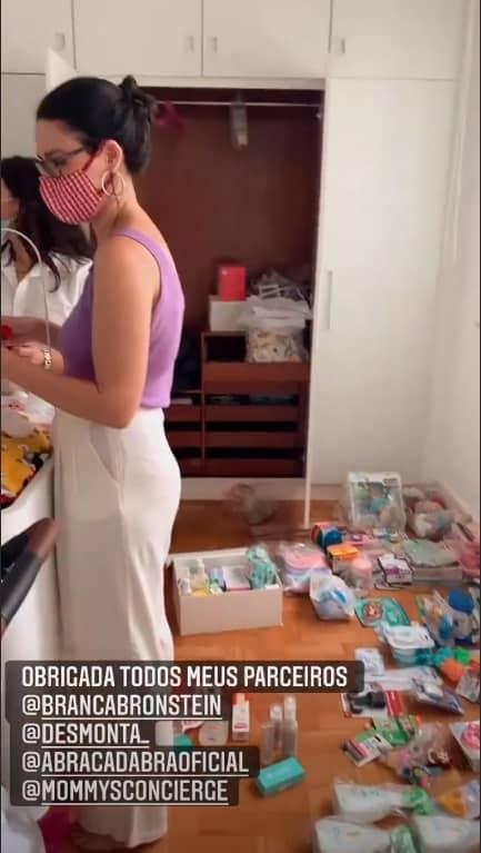 Quarto da filha de Nathalia Dill enquanto era organizado