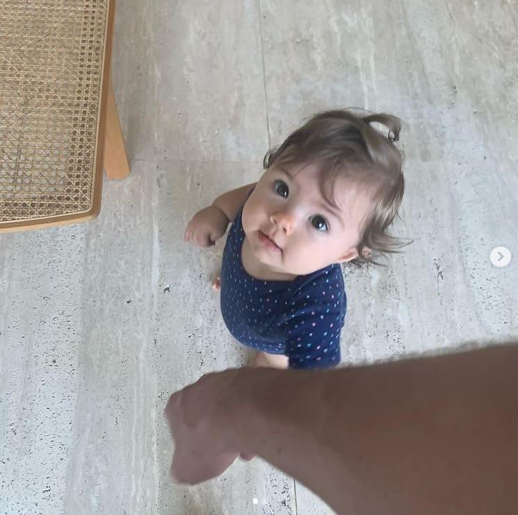 A menina Clara Maria, filha de Rafael Vitti