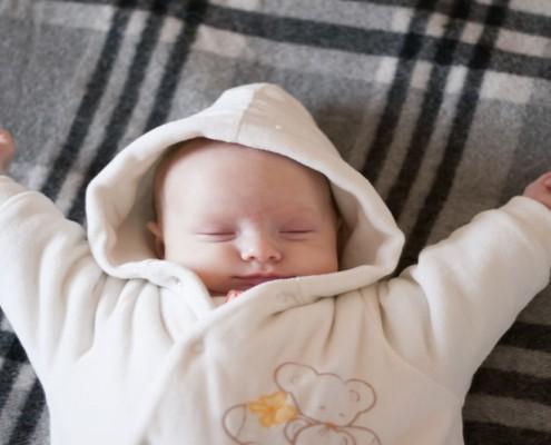 Entenda o que é a regressão do sono do bebê