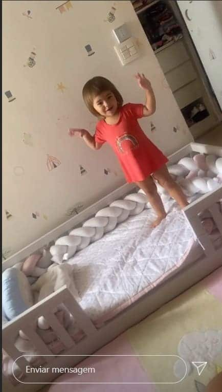 A filha de Sabrina Sato no novo quarto