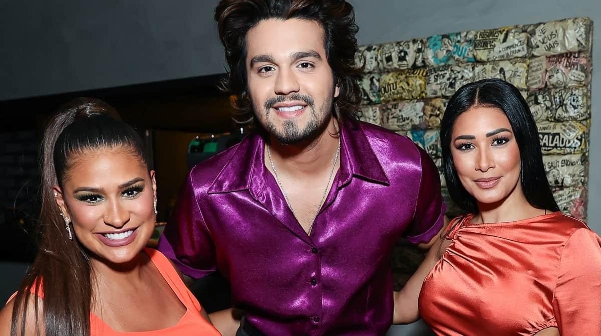 Simone posou com Luan Santana