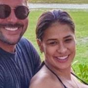 Simone exibiu barrigão de grávida em dia com a família