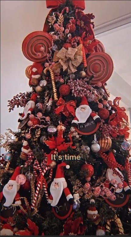A linda árvore de Natal de Thyane Dantas e Wesley Safadão