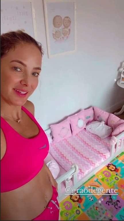 Ticiane Pinheiro no quarto de sua filha Manuella