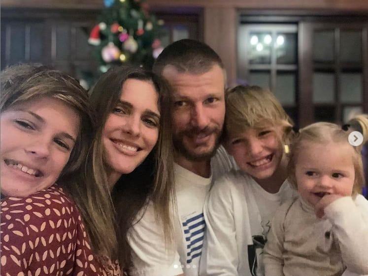 Fernanda Lima e Rodrigo Hilbert com sua bebê e os gêmeos