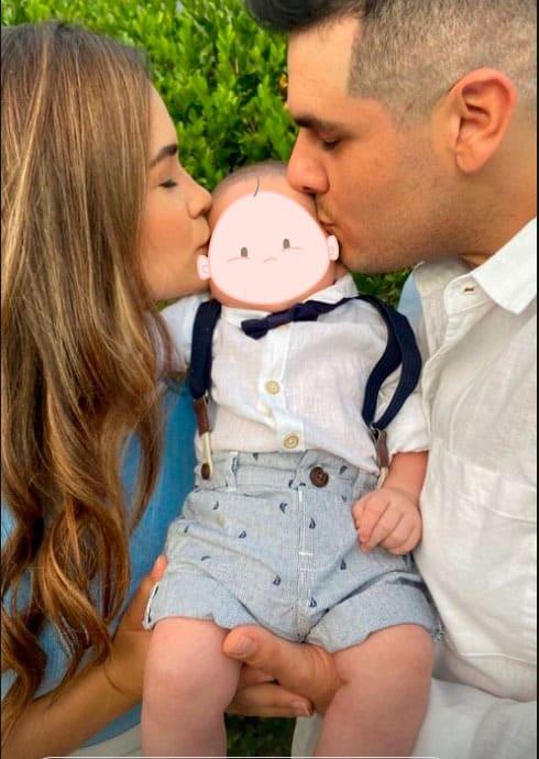 Gabi Arandela e seu marido com seu bebê