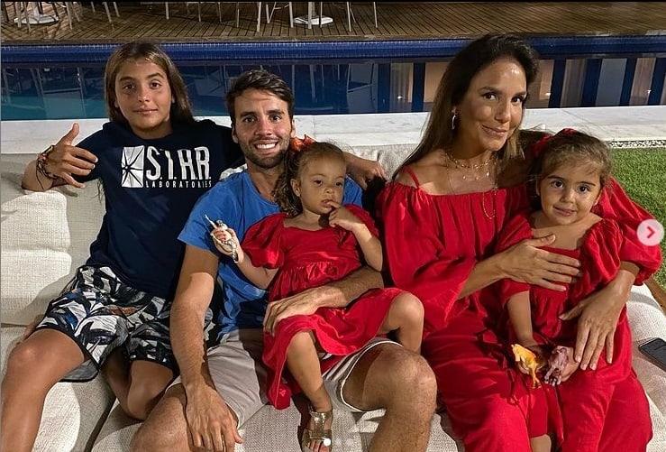 Daniel Cady e Ivete Sangalo com os filhos