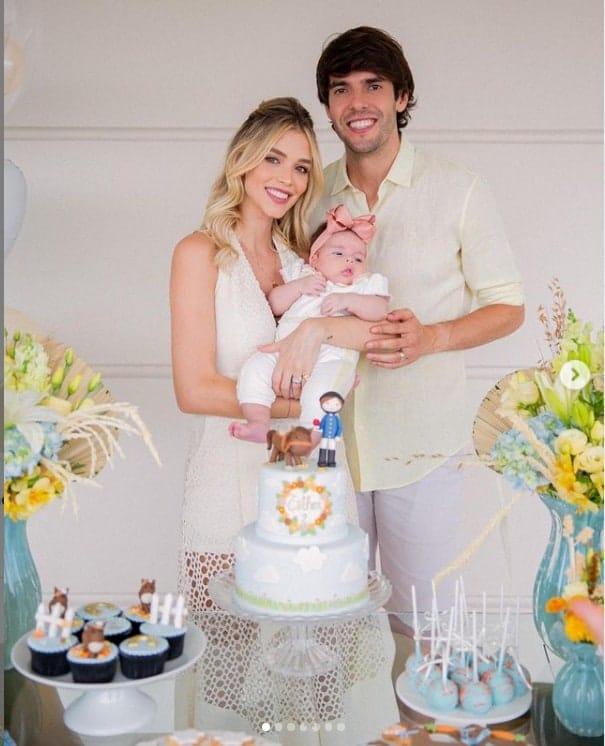 Kaká e Carol Dias na festa de sua bebê