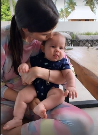 O bebê de Débora Silva e Mano Walter chamou a atenção dos internautas