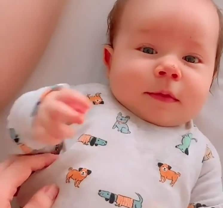 O pequeno José, filho do cantor Mano Walter e de Débora Silva