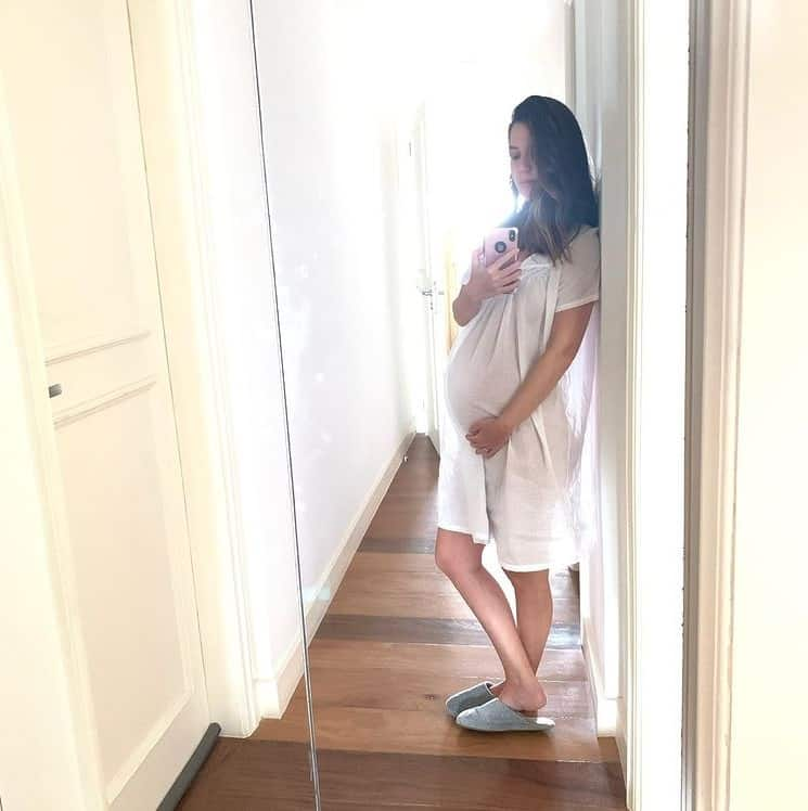Nathalia Dill aos nove meses de gravidez