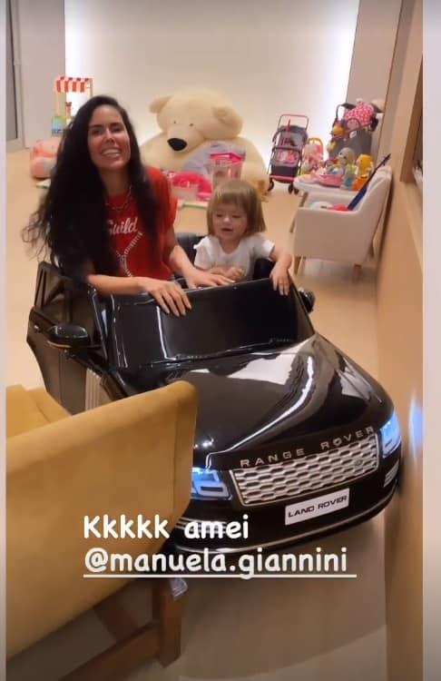 A filha de Sabrina Sato e Duda Nagle na brinquedoteca