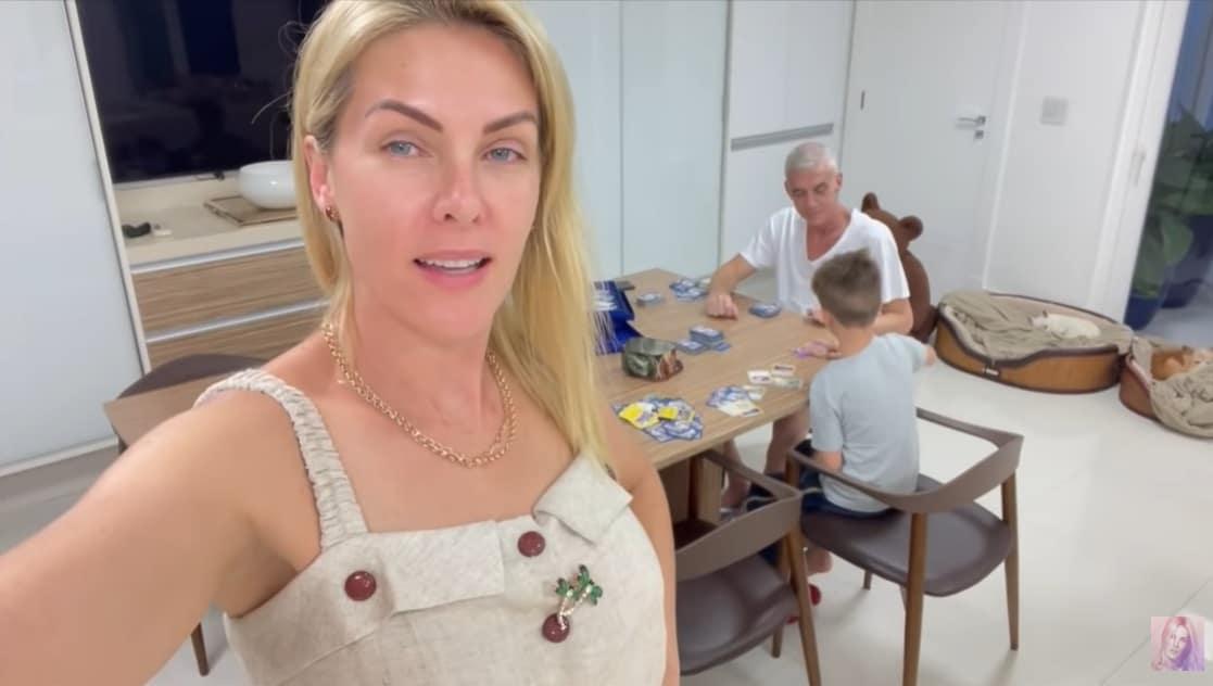 Ana Hickmann junto com seu marido e o filho