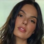 A viagem da atriz Isis Valverde é bem luxuosa