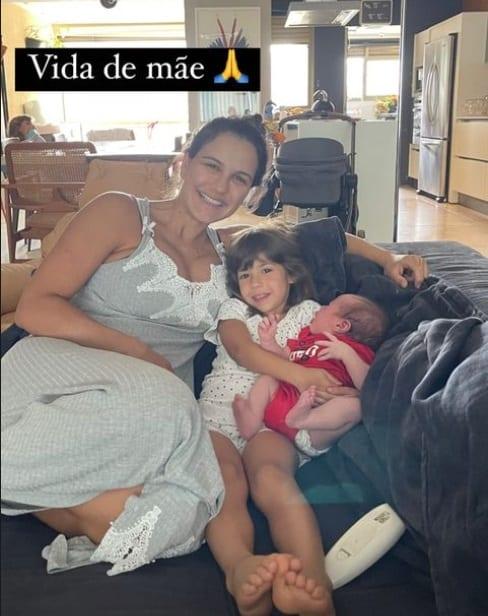 Kyra Gracie com seu bebê com Malvino Salvador