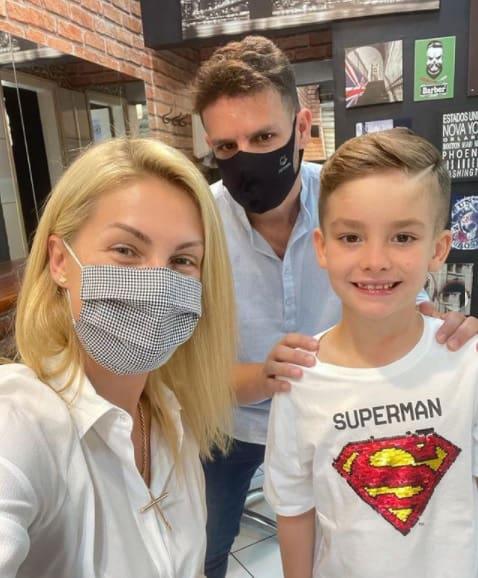 Alexandre, marido de Ana Hickmann, compartilhou uma foto do filho