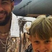 Filho do jogador Neymar mostrou seu irmão bebê