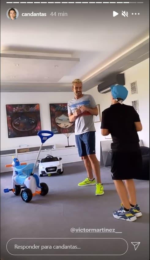 Filho de Neymar no seu apartamento de luxo