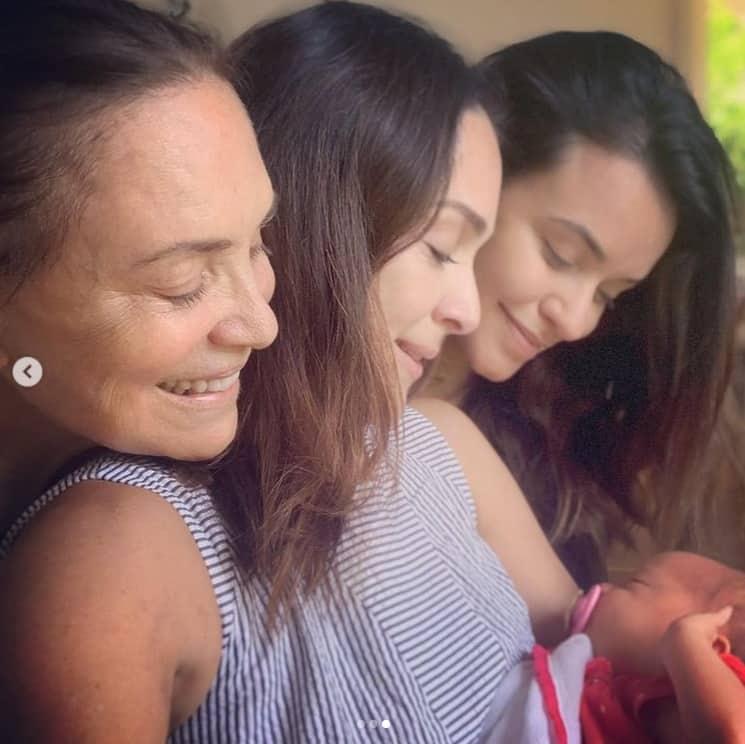 Gabriela Duarte com sua sobrinha recém-nascida