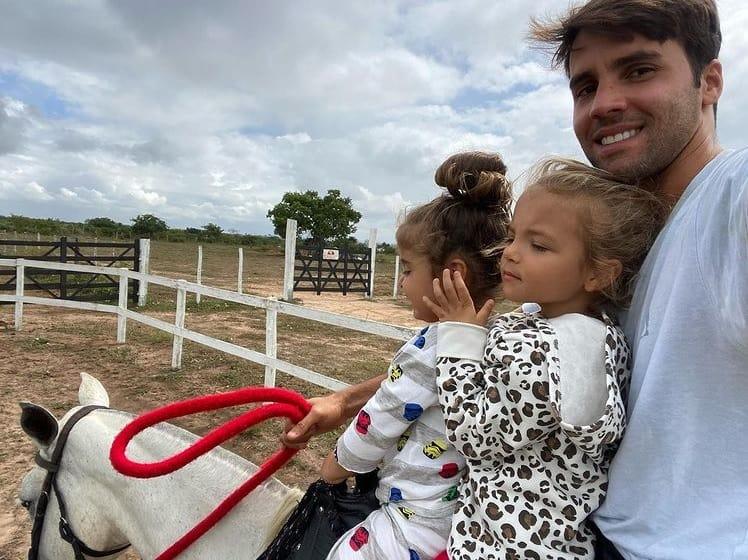 Daniel Cady com as filhas com Ivete Sangalo