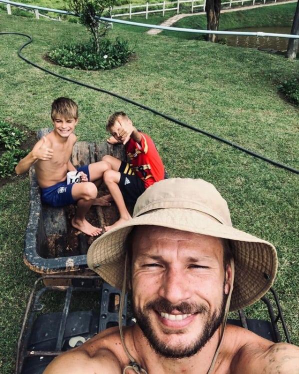Rodrigo Hilbert com os filhos com Fernanda Lima